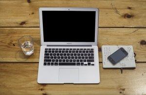 Nešiojamojo kompiuterio ekrano taisymas