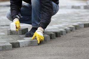Trinkelių klojimas ant betoninio pagrindo