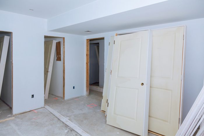 Kaip montuoti duris