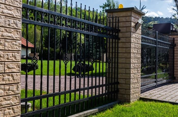 Į ką atkreipti dėmesį renkantis tvora